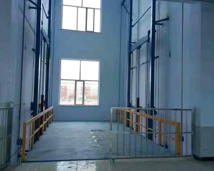 剪叉式升降货梯
