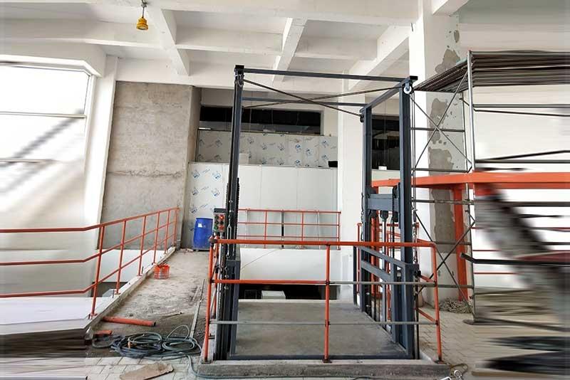 液压式升降货梯